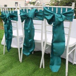 Svatební dekorace na židle