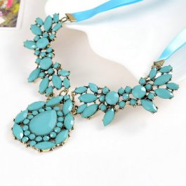 Náhrdelník z modrých matných kamínků