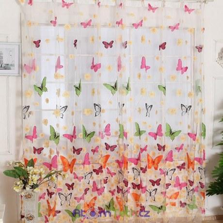 Závěsy s motýli