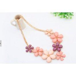 Fialovo-růžový květinový náhrdelník