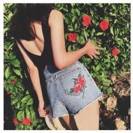 Džínové kraťasy s vyšitou růží
