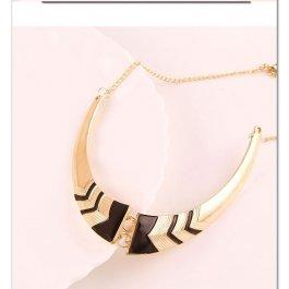 Půlený hnědý náhrdelník