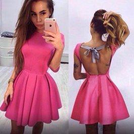 Luxusní šaty s mašlí na zádech