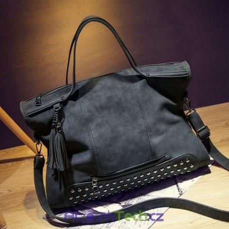 Luxusní kabelka s cvoky