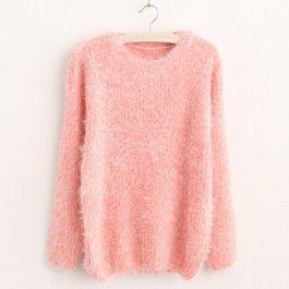 Stylový chlupatý svetr
