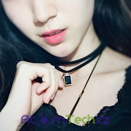 Choker náhrdelník s kamínkem
