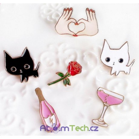 Romantické malé brože