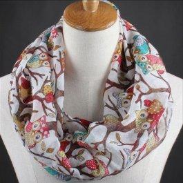 Kruhový šátek s roztomilými sovami
